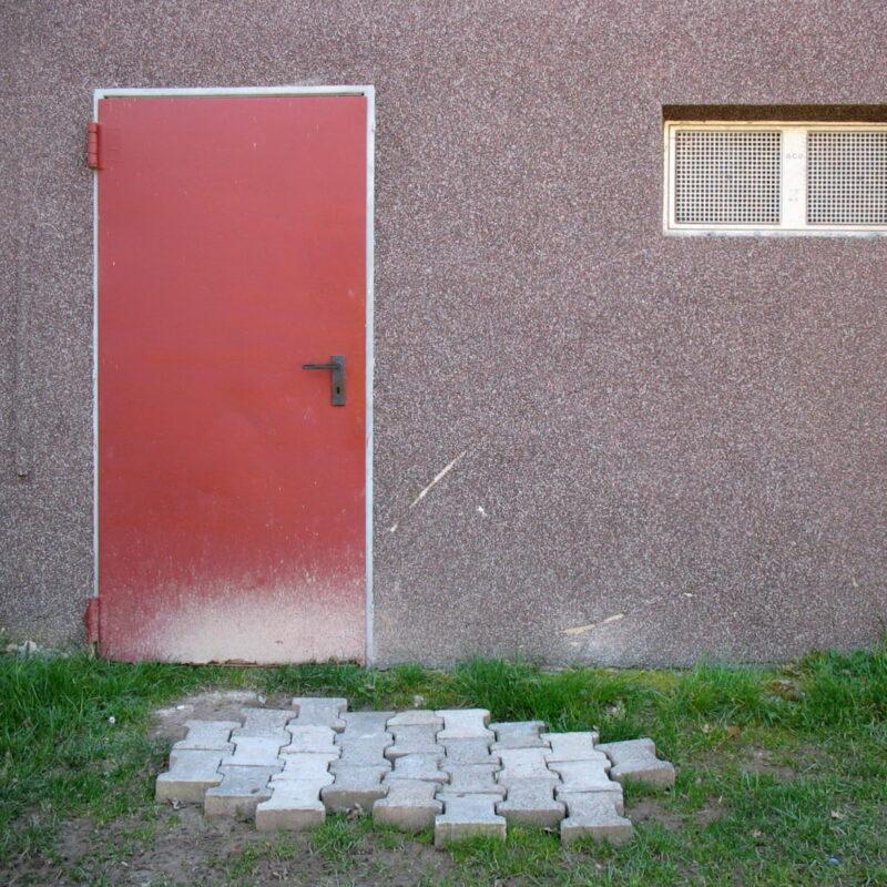 Hinterseite eines Sportheimes in Weierbach bei Idar-Oberstein